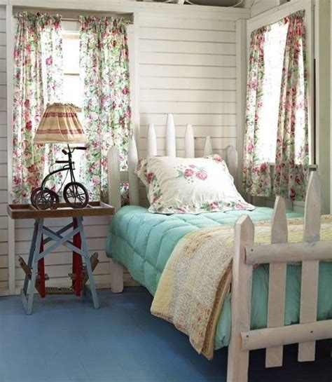 small cottage bedroom 1000 images about cottage country decorating on pinterest 13310   b9e7a4c2fca728580f2e139e57b3c49c