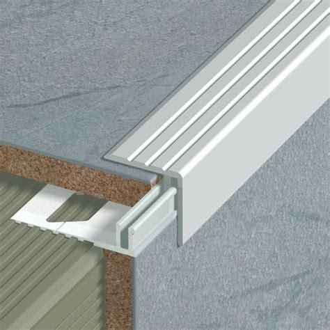nez de marche escalier nez de marche en aluminium pour usage domestique 25 x 24 x 270 mm sans socle dinac protections
