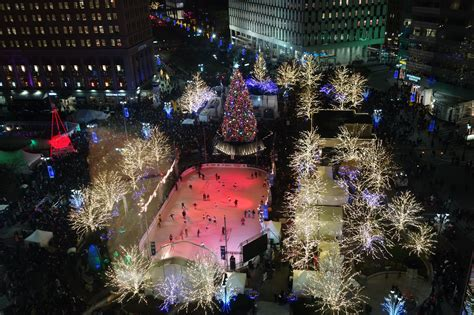 Guide To Detroit Tree Lighting After5 Detroit