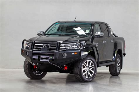 deluxe commercial bull bar  suit hilux revo