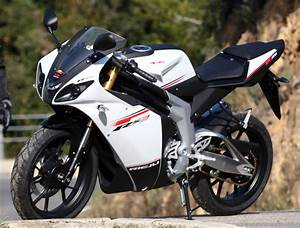Fiche Moto 12 : rieju 125 rs3 2012 fiche moto motoplanete ~ Medecine-chirurgie-esthetiques.com Avis de Voitures