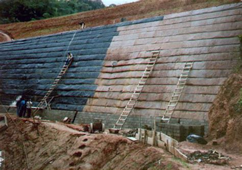 Brazil's First Geosyntheticreinforced Soil Structure