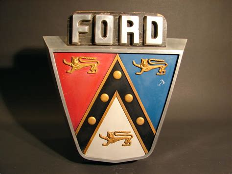 fantastic  ford jubilee crest dealership showroom
