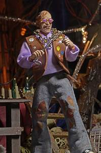 """Closer Look: Texas Chainsaw Massacre 2 Chop Top 8"""" Clothed"""