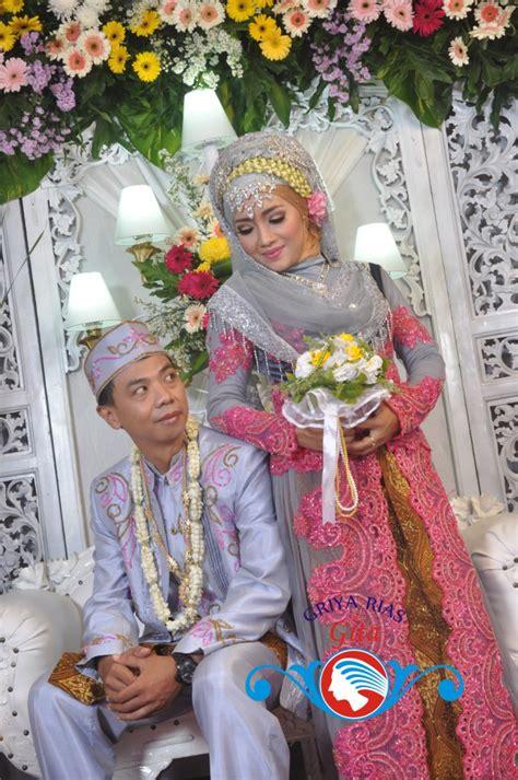 makeup cantik natural pengantin  sentuhan islami