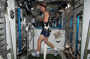 Astronaut Luca Parmitano on Treadmill   NASA