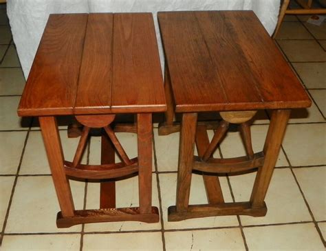Pair Of Oak Wagon Wheel End Tables Side Tables (t238)