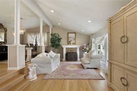 area rugs on hardwood floors roselawnlutheran