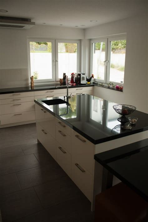 Küche Mit Eckfenster by Schlicht Und Sch 246 N Pronorm Fertiggestellte K 252 Chen
