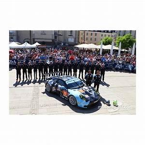 24 Heures Du Mans 2015 : porsche 911 rsr 77 24 heures du mans 2015 spark s4672 miniatures minichamps ~ Maxctalentgroup.com Avis de Voitures