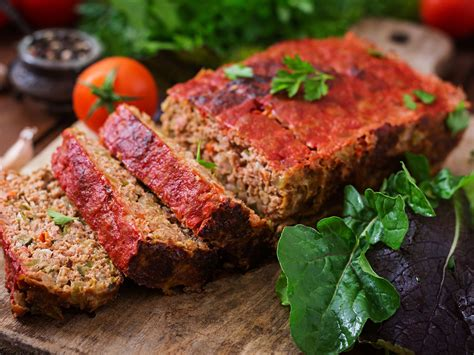 My mom made this classic meatloaf recipe all the time when i was growing up. 2 Pound Meatloaf - Basic Meatloaf Recipe Pillsbury Com / Even meatloaf can be made in the ...