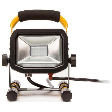 husky work light tripod husky 5 ft 1720 lumen led work light with tripod k40011