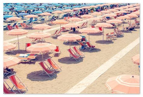 Gray Malin Forte dei Marmi Umbrellas Beach photography
