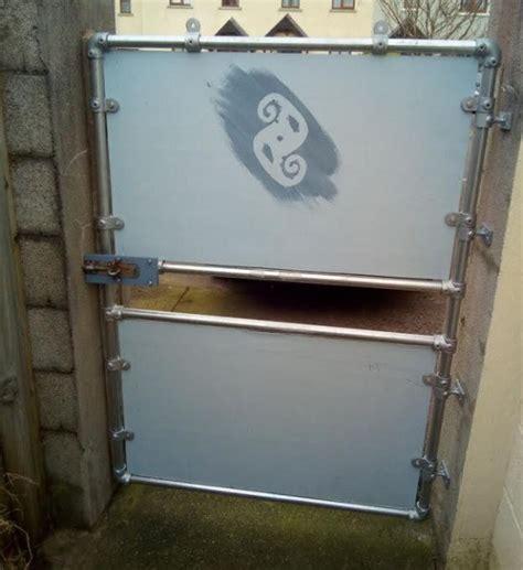 diy steel gate built  kee klamp fittings simplified