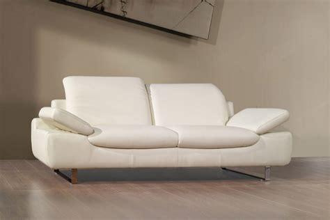 comment nettoyer canape en cuir nettoyer un canape en cuir beige clair 28 images comment nettoyer un canap 233 en cuir