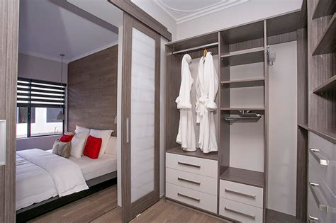 Walk In Wardrobe Design by Walk In Wardrobe Flexi Wardrobes Perth