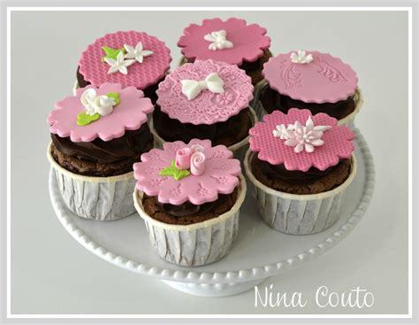 cupcake pate a sucre cupcakes n 238 mes d 233 coration en p 226 te 224 sucre atelier des