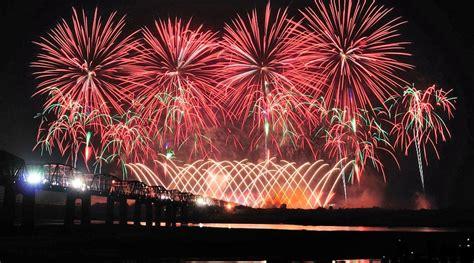 montreal international fireworks festival quebec canada