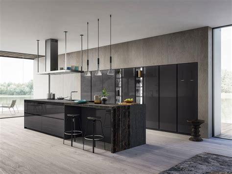 cuisine italienne moderne cuisine italienne moderne en laqué brillant design cuisines