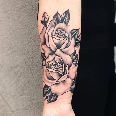 Magazine  Origine Et Signification Du Tatouage Rose