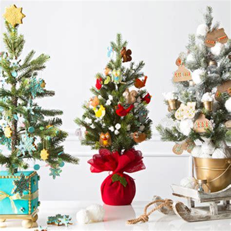 creative christmas tree decorating ideas hallmark