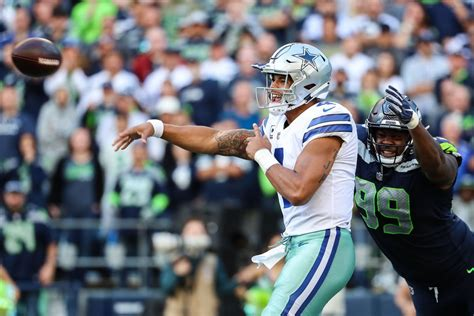 nfl playoffs  seahawks  cowboys battle red blog