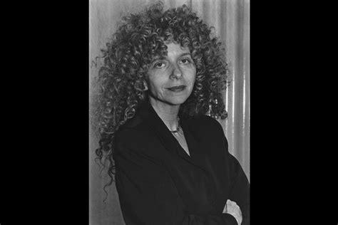 feminist artist  photographer barbara kruger