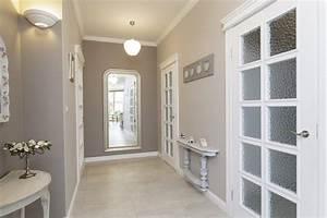 Hallway decorating ideas interior design for Interior decor hallways