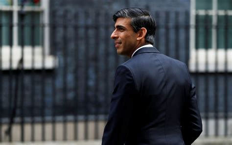 Rishi Sunak accidentally votes against Government