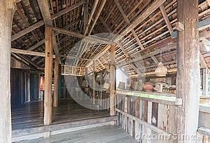 Bilder An Die Wand Hängen : k chenger te die an der wand in einem alten haus im nort h ngen stockfoto bild 53812604 ~ Sanjose-hotels-ca.com Haus und Dekorationen