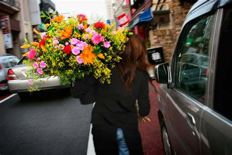 floor delivery alaskans always use flower delivery for special occasions