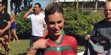 Andressa Urach Da Sexy Bienvenida A Cristiano Ronaldo Huffpost