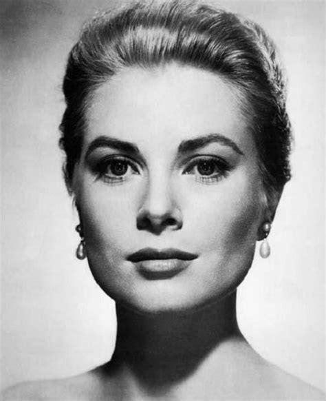 top  vintage makeup tricks inspired  hollywood sirens