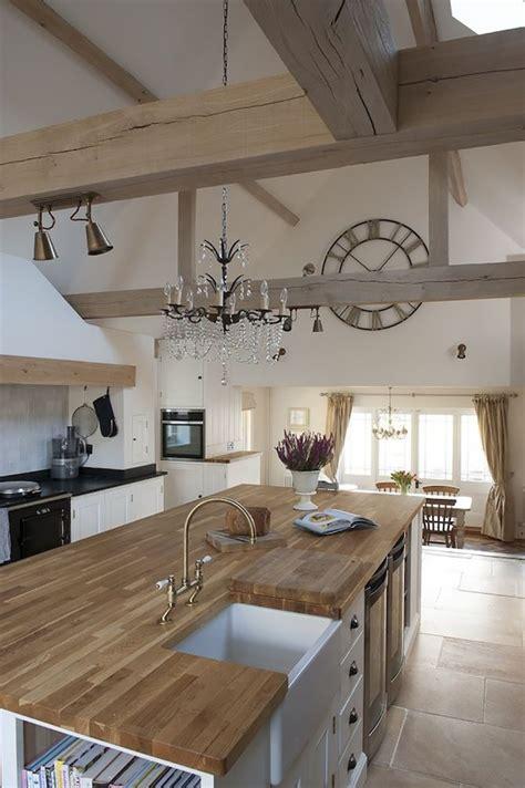 grande cuisine ouverte la même déco une cuisine cagne chic avec un grand