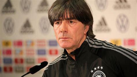 Aktuelle und detaillierte zahlen bietet die. DFB-Kader für WM-Quali: Bundestrainer Joachim Löw ...