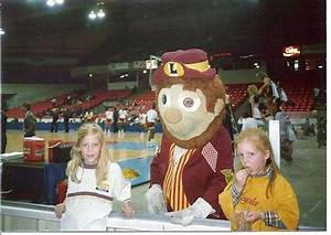 Loyola Chicago Needs To Bring Back Its Hobo Mascot For The Final Four