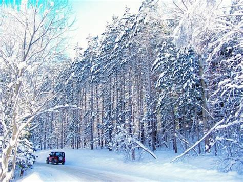 jeep snow wallpaper jeep going down the road winter nature background
