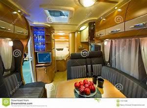 Deco Camping Car : camping car int rieur photos libres de droits image 17077098 ~ Preciouscoupons.com Idées de Décoration