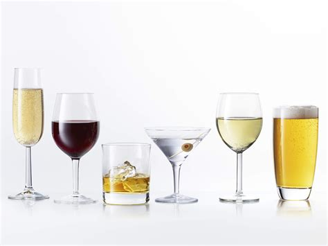alcoholic drinks what 39 s the lowest calorie alcohol 8 drinks ranked health