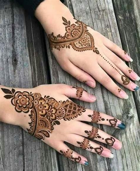 hand unique mehndi designs  party