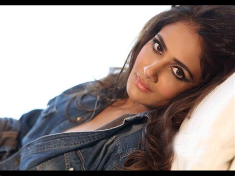 Parul Yadav Hq Wallpapers  Parul Yadav Wallpapers 30619