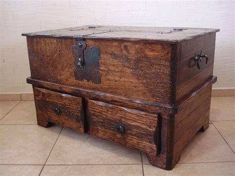 baul rustico mesa  cajones madera de pino apolillada