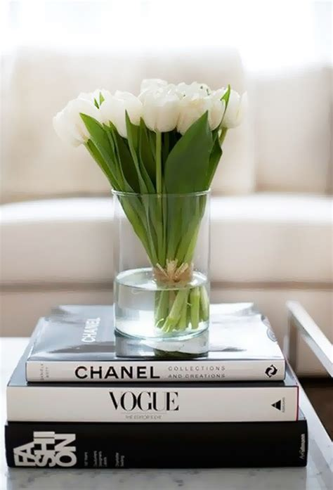 Chanel Deko Buch by Tulip The Idea Of Putting A Vase On Designer Books