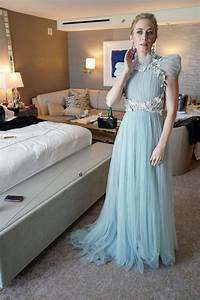 all about emily blunts 2018 oscars look peoplecom With robes grandes occasions