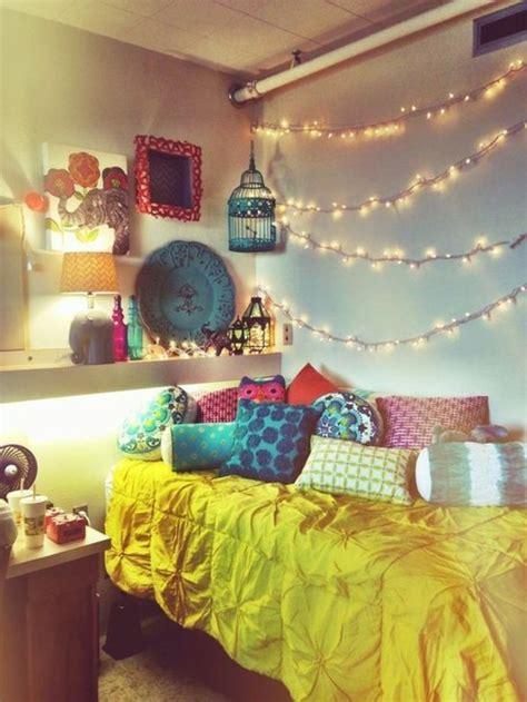 guirlande lumineuse pour chambre b deco guirlande lumineuse plafond chambre ado 054914