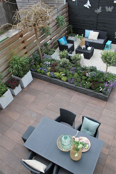 small garden with double deck