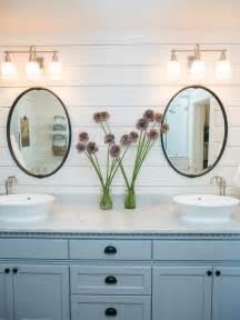 Fixer Upper Badezimmer : fixer upper texas sized house small town charm badezimmer klingel und wohnideen ~ Orissabook.com Haus und Dekorationen