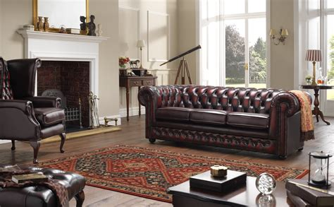 Chesterfield Sofa In Living Room by Chesterfield 3 Seater Leather Sofa In A Traditional Living