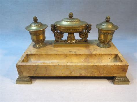 bureau de placement restauration ancien encrier de bureau en marbre et bronze epoque