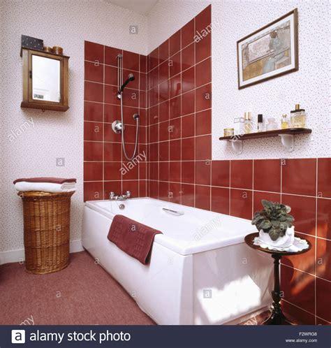 alte badezimmer verschonern cozy inspiration bad braune fliesen ohne fenster